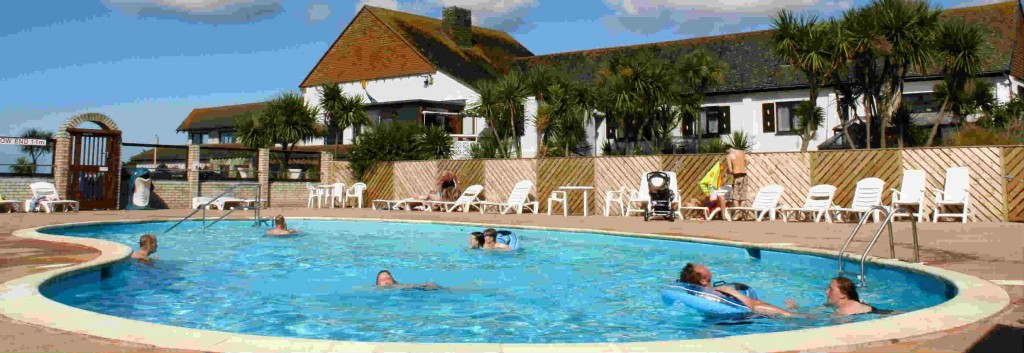 Holiday park in cornwall with swimming pools - Hotels with swimming pools cornwall ...