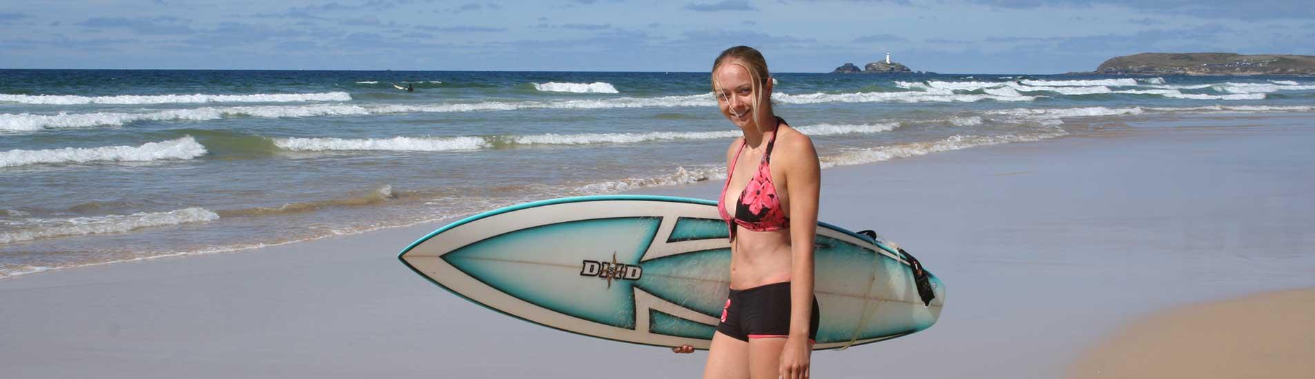 girl-surfing-st-ives